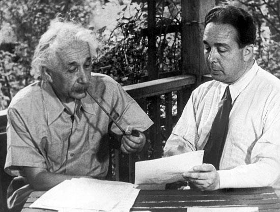 • Hercólubus y las profecías del astónomo chileno Muñoz Ferrada... - Página 2 Albert-Einstein-1939