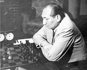 http://www.tabladeflandes.com/frank_mayer/Erich_Eliskases_1952.jpg