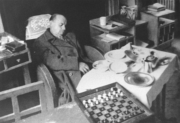 Alekhine. Me han destruido dos guerras