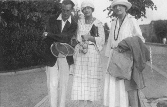 Nabokov Svetlana Siewert y su hermana Tatiana, Berlín, 1921 o 1922