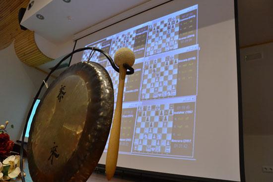 El gong de los árbitros. El Pósito. Linares 2014