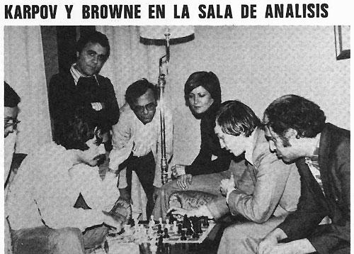 Browne en post mortem con Karpov, Tal mira Las Palmas 1977