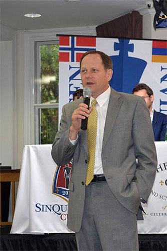 El Alcalde de San Luis Francis G. Slay