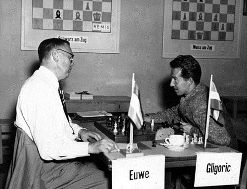 Euwe y Gligoric en Zurich 1953