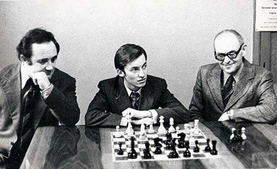 Geller, Karpov y Furman analizando la Variante Tarrasch de la Def. Francesa
