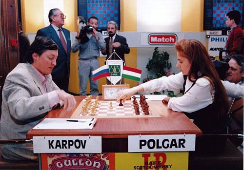 Judit Polgar con Karpov en Linares 1994