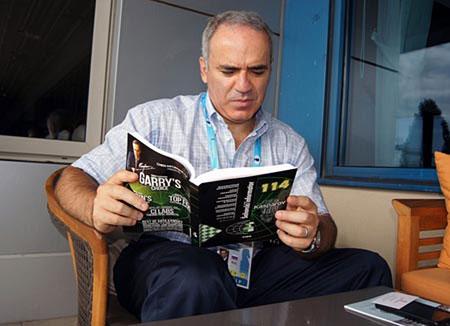 Madrid mueve Kasparov-con-el-Informador-114