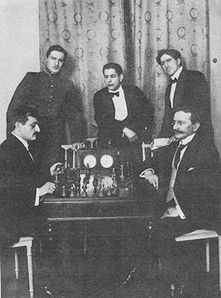 Lasker v Tarrasch con Alekhine, Capablanca y Marshall en San Petersburgo 1914