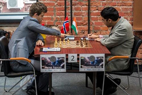 R 5 Carlsen vence a Anand en la última partida entre ambos antes del duelo por el título mundial
