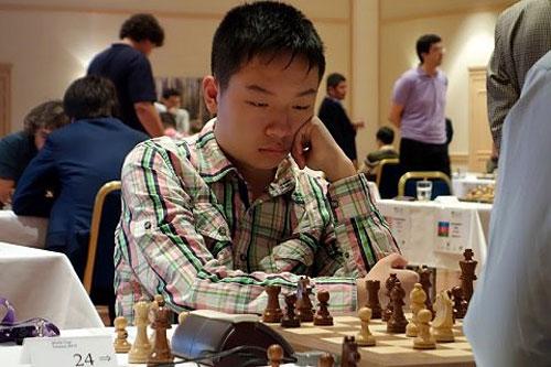 Wei Yi, superó a Nepomniachtchi y Shirov